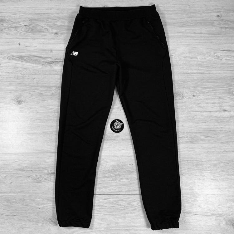 Спортивные штаны New Balance Athletics Back Logo black/white